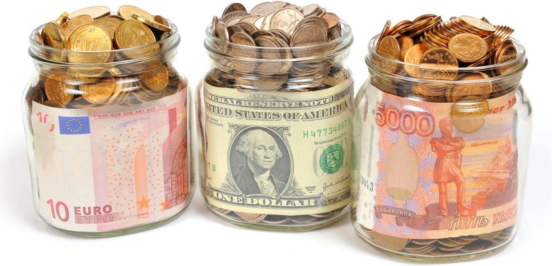 Исследование: каждый третий россиянин копит деньги